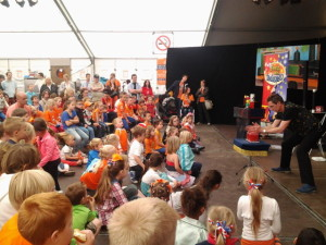 Kinder shows met Rolando